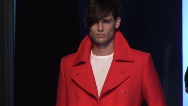 stockvideo's en b-roll-footage met jeanpaul gaultier paris men's fashion week spring/summer 2010 - 2010