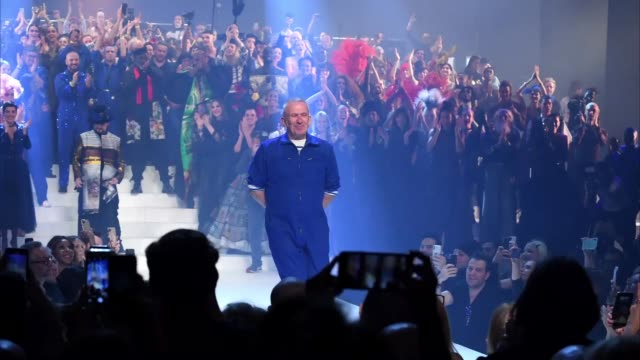 jean-paul gaultier walks the runway during the jean-paul gaultier haute couture spring/summer 2020 show as part of paris fashion week at theatre du... - paris fashion week - haute couture spring/summer 2020点の映像素材/bロール