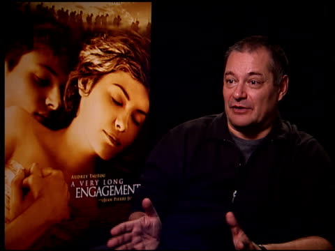 vídeos de stock, filmes e b-roll de jeanpierre jeunet on the 'oscar buzz' over the film at the 'a very long engagement' press day at the four seasons hotel in los angeles california on... - um longo domingo de noivado