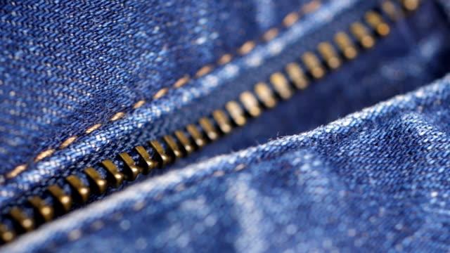 vidéos et rushes de plan rapproché de jeans - jeans texture
