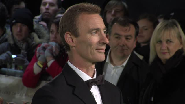 jed brophy at 'the hobbit' uk premiere and royal film performance at odeon leicester square on december 12, 2012 in london, england. - the hobbit stock videos & royalty-free footage