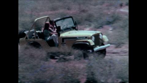 1974 jeep cj montage - sports utility vehicle bildbanksvideor och videomaterial från bakom kulisserna