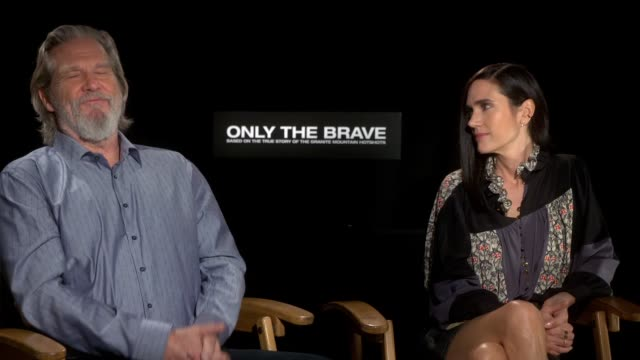 interview jeff bridges and jennifer connelly on meeting and working with the real life people they play on screen how that helped them understand... - only the brave 2017 film stock videos & royalty-free footage