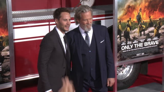 jeff bridges and taylor kitsch at the only the brave premiere at regency village theatre on october 08 2017 in westwood california - only the brave 2017 film stock videos & royalty-free footage