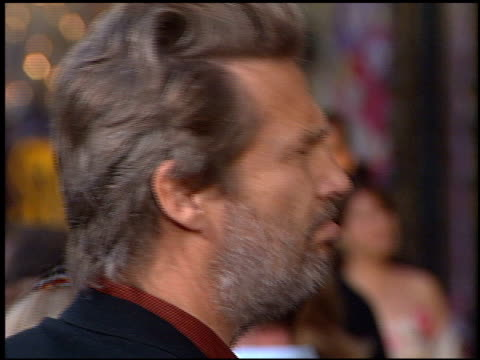 Jeff Bridges at the 'Insomnia' Premiere at the El Capitan Theatre in Hollywood California on May 22 2002