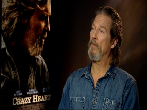 Jeff Bridges on his heroes On who his heroes are from his father Lloyd Bridges to Bob Dylan to Robert Duvall in life at the Crazy Heart Interview at...