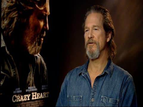 Jeff Bridges on how coming from an acting dynasty made acting the path of least resistance but it's still not easy at the Crazy Heart Interview at...