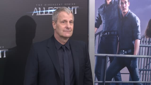 jeff daniels at allegiant new york premiere at amc loews lincoln square 13 theater on march 14 2016 in new york city - amc loews stock videos and b-roll footage