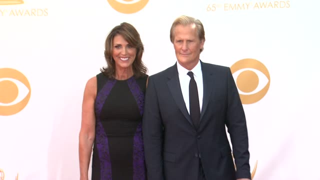 jeff daniels at the 65th annual primetime emmy awards arrivals in los angeles ca on 9/22/13 - annual primetime emmy awards stock-videos und b-roll-filmmaterial