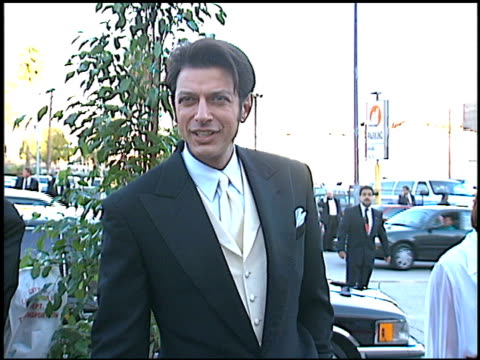 vídeos de stock e filmes b-roll de jeff goldblum at the blockbuster awards at pantages theater in hollywood, california on march 6, 1996. - pantages theater