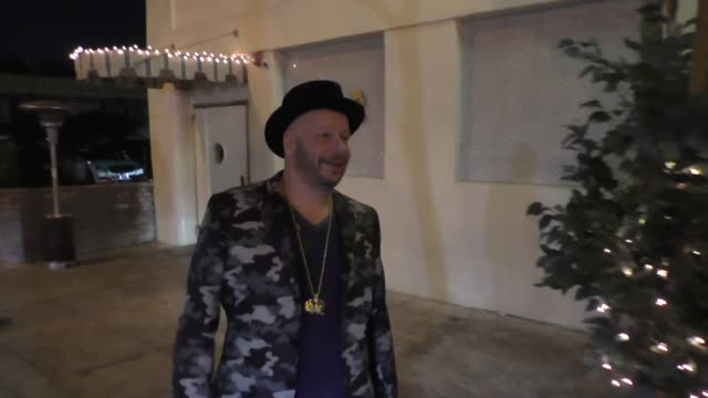INTERVIEW Jeff Ross talks about his New Year's resolution outside Delilah Nightclub in West Hollywood in Celebrity Sightings in Los Angeles