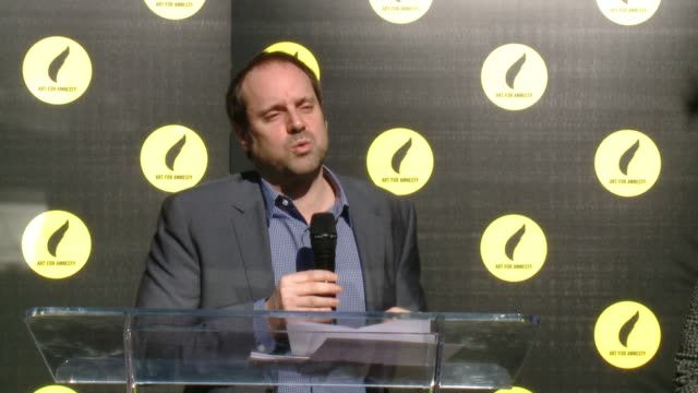 vídeos de stock e filmes b-roll de speech jeff skoll at art for amnesty's pregolden globes recognition brunch in los angeles ca - prémio globo de ouro