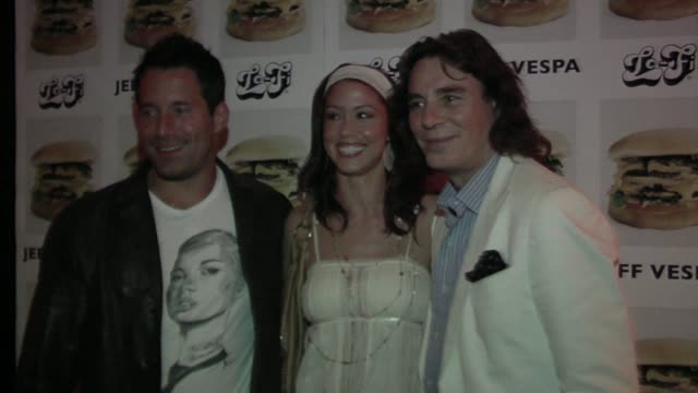 stockvideo's en b-roll-footage met jeff vespa and shannon elizabeth at the jeff vespa's eat me art show opening at the lofi gallery in los angeles california on may 4 2006 - shannon elizabeth