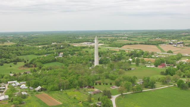 stockvideo's en b-roll-footage met ms aerial ds jefferson davis birthplace monument / fairview, kentucky, united states - geboren in