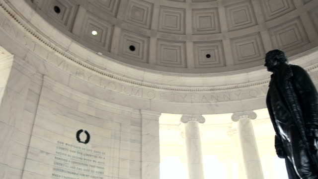 vidéos et rushes de le jefferson memorial, pan de statue - jefferson memorial