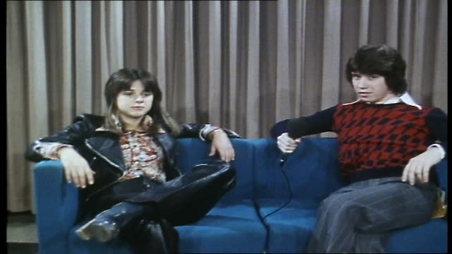 """jeffrey james interviews suzi quatro about her current tour and her time as """"suzi soul"""" - from """"sounds unlimited"""" program - 1976 stock videos & royalty-free footage"""