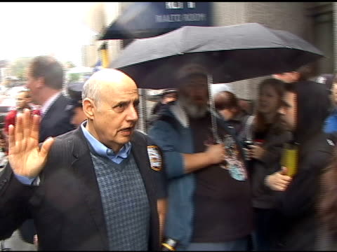 jeffrey tambor waves to photographers as he arrives at the nbc upfronts in new york 05/16/11 - jeffrey tambor stock videos & royalty-free footage