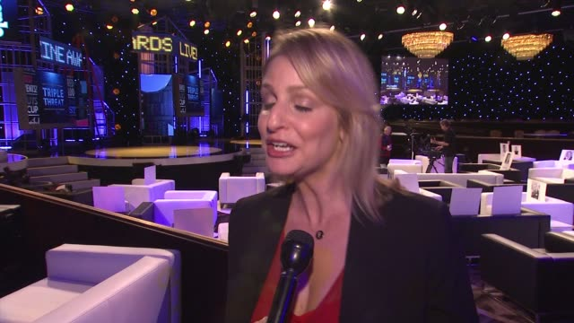 vídeos y material grabado en eventos de stock de interview jen garcia on what we can we expect from their inaugural awards show what makes this award show different and how it fits into the grand... - the beverly hilton hotel