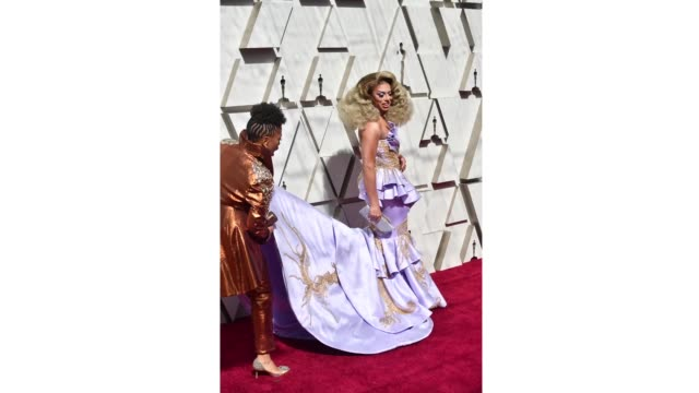 vídeos de stock, filmes e b-roll de jenifer lewis and shangela laquifa wadley attend the 91st annual academy awards at hollywood and highland on february 24 2019 in hollywood california - cerimônia de entrega do óscar