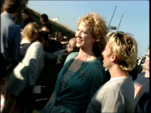 jenna and bodhi elfman walking the red carpet at the 1998 mtv mtv video music awardss - jenna elfman stock videos & royalty-free footage