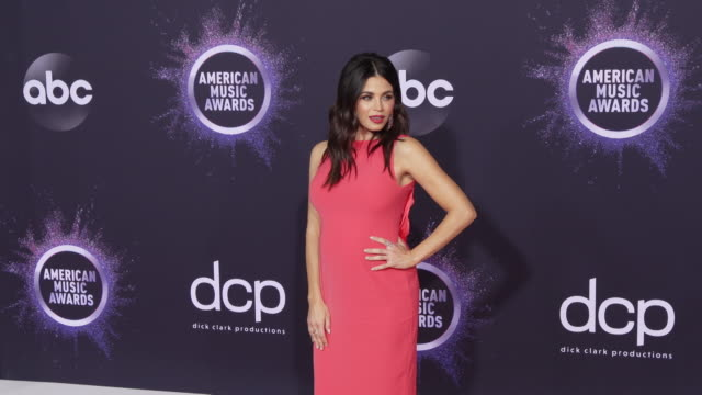 jenna dewan at the 2019 american music awards at microsoft theater on november 24 2019 in los angeles california - アメリカン・ミュージック・アワード点の映像素材/bロール