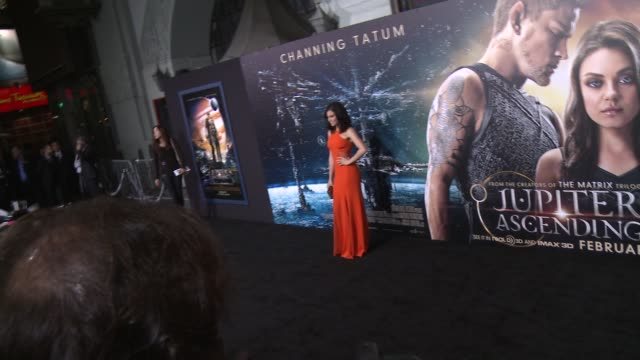 """jenna dewan at the """"jupiter ascending"""" los angeles premiere at tcl chinese theatre on february 02, 2015 in hollywood, california. - tcl chinese theatre video stock e b–roll"""