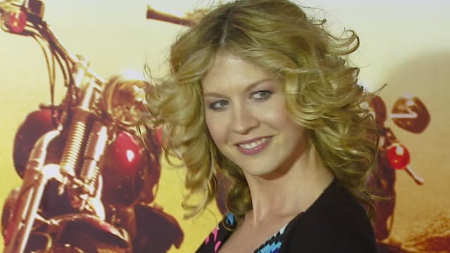 jenna elfman and husband bodhi elfman at the 'wild hogs' premiere at the el capitan theatre in hollywood, california on february 27, 2007. - jenna elfman stock videos & royalty-free footage