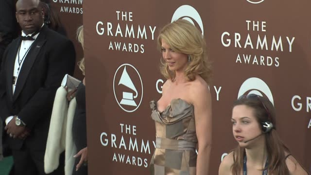 jenna elfman at the 2006 grammy awards arrivals at the staples center in los angeles, california on february 8, 2006. - jenna elfman stock videos & royalty-free footage