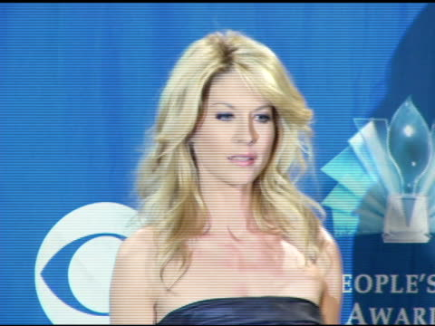 jenna elfman at the 2006 people's choice awards press room at the shrine auditorium in los angeles, california on january 10, 2006. - jenna elfman stock videos & royalty-free footage
