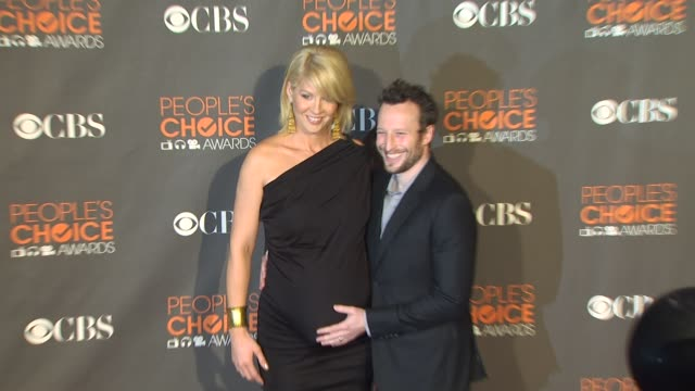 jenna elfman at the 36th annual people's choice awards at los angeles ca - jenna elfman stock videos & royalty-free footage