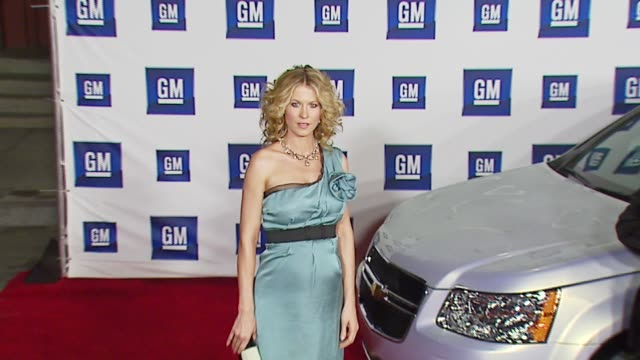 Jenna Elfman at the GM Ten Event at Paramount Stage 16 in Los Angeles California on February 20 2007