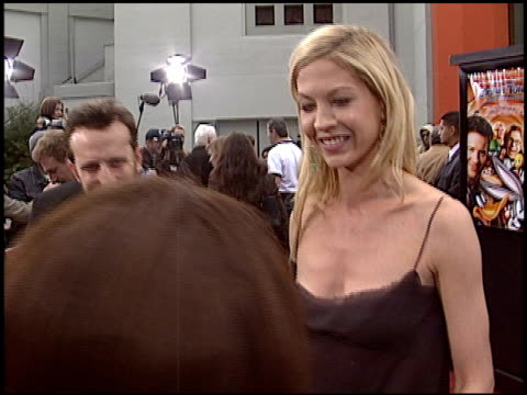 jenna elfman at the 'looney tunes back in action' premiere at grauman's chinese theatre in hollywood, california on november 9, 2003. - jenna elfman stock videos & royalty-free footage