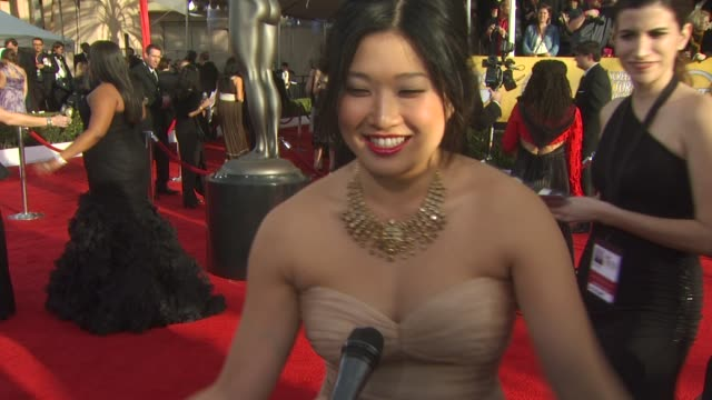 Jenna Ushkowitz on who she's wearing and what she loved about it if she got ready with the cast what makes the SAG Awards different than other award...