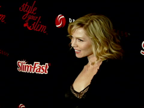 jennie garth at the rachel hunter and slim-fast host style your slim event with special guest tim gunn and dj macy gray at boulevard3 in hollywood,... - レイチェル ハンター点の映像素材/bロール
