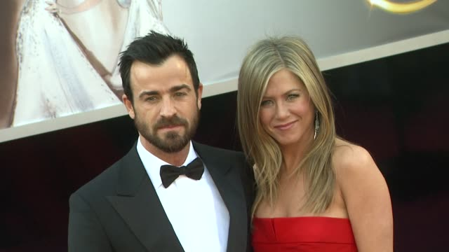 jennifer aniston and justin theroux at 85th annual academy awards arrivals in hollywood ca on 2/24/13 - jennifer aniston stock videos & royalty-free footage