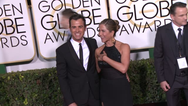jennifer aniston and justin theroux at the 72nd annual golden globe awards arrivals at the beverly hilton hotel on january 11 2015 in beverly hills... - jennifer aniston stock videos & royalty-free footage