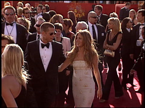 jennifer aniston at the 2004 emmy awards arrival at the shrine auditorium in los angeles, california on september 19, 2004. - emmy awards stock-videos und b-roll-filmmaterial