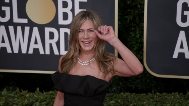 jennifer aniston at the 77th annual golden globe awards at the beverly hilton hotel on january 05 2020 in beverly hills california - jennifer aniston stock videos & royalty-free footage