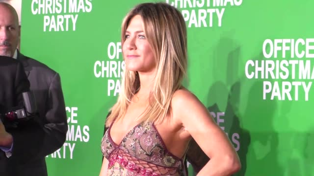 jennifer aniston at the premiere of paramount pictures' 'office christmas party' on december 07 2016 in westwood california - jennifer aniston stock videos & royalty-free footage