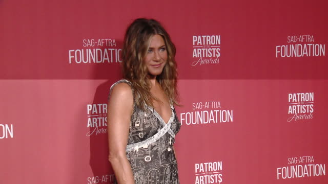 jennifer aniston at the sagaftra foundation's 4th annual patron of the artists awards in beverly hills ca - jennifer aniston stock videos & royalty-free footage