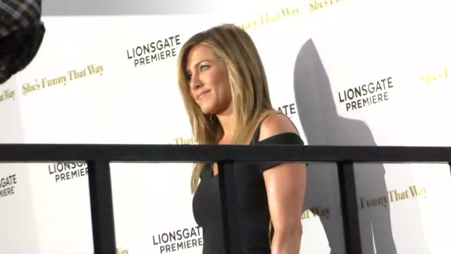 jennifer aniston at the she's funny that way premiere at harmony gold in west hollywood in celebrity sightings in los angeles, - she's funny that way点の映像素材/bロール