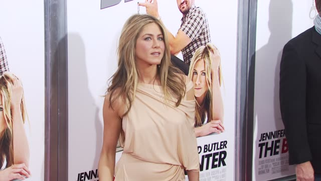 jennifer aniston at the 'the bounty hunter' gala premiere red carpet arrivals at new york ny - jennifer aniston stock videos & royalty-free footage