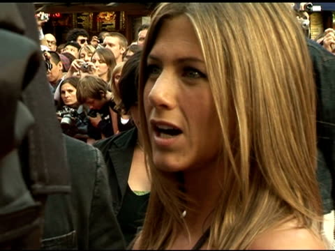 jennifer aniston on having a crush on sean cassidy at the 'the break-up' � london premiere at london . - straight hair stock videos & royalty-free footage