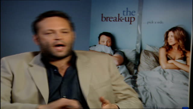 jennifer anniston/vince vaughn interviews; reporter asking question of vaughan sot vince vaughan interview sot - good fortune of not being someone in... - vince vaughn stock videos & royalty-free footage
