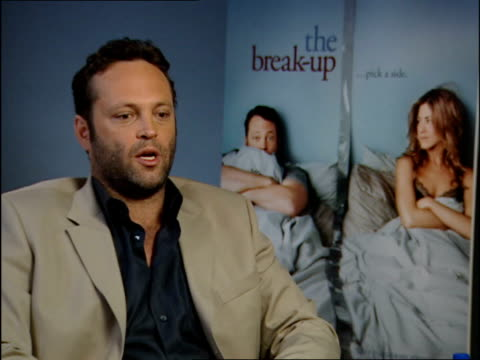 jennifer anniston/vince vaughn interviews; vince vaughn interview sot - on audience's response, unexpected turns, dramatic side to the film cutaway... - vince vaughn stock videos & royalty-free footage