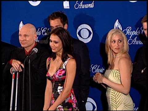 jennifer blanc at the 2001 people's choice awards press room at the pasadena civic auditorium in pasadena california on january 7 2001 - people's choice awards stock videos & royalty-free footage