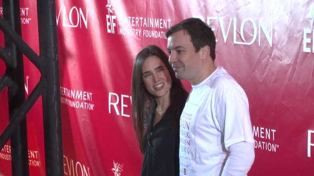 jennifer connelly and jimmy fallon at the 12th annual eif revlon run/walk for women in new york city at new york ny. - レブロン点の映像素材/bロール