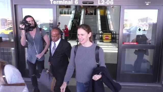 Jennifer Garner arriving at LAX Airport in Los Angeles in Celebrity Sightings in Los Angeles
