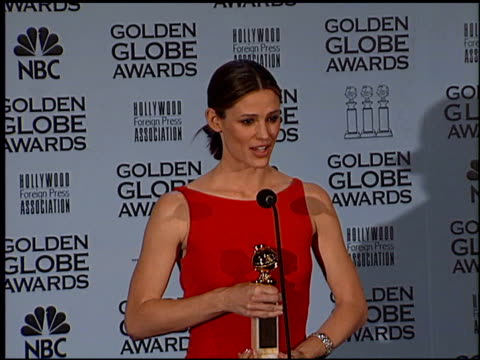 Jennifer Garner at the 2002 Golden Globe Awards at the Beverly Hilton in Beverly Hills California on January 20 2002