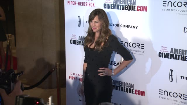 jennifer garner at the 28th american cinematheque award honoring matthew mcconaughey at the beverly hilton hotel on october 21 2014 in beverly hills... - american cinematheque stock videos & royalty-free footage